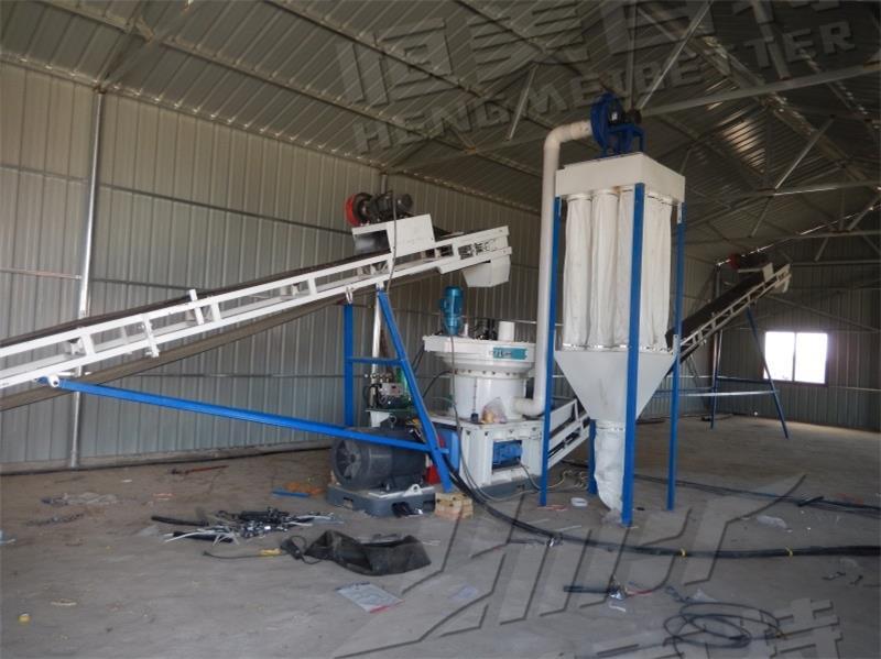 山东临沂时产1-1.5吨生物质(木屑秸秆)颗粒生产线