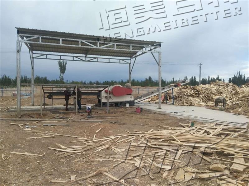 新疆喀什时产5-6吨木屑颗粒机生产线安装现场